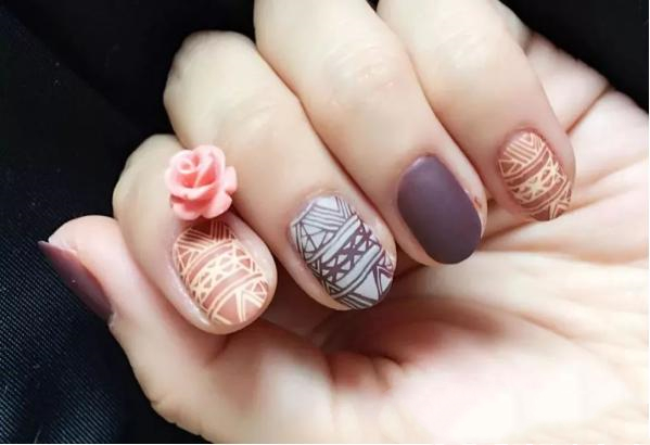 Harm of regular nail art